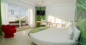 Access Hotels & Resorts Adds Two South Beach Hotels to Portfolio