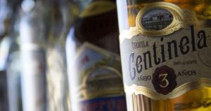 Guests Set Bar High for Premium Spirits, Craft Cocktails