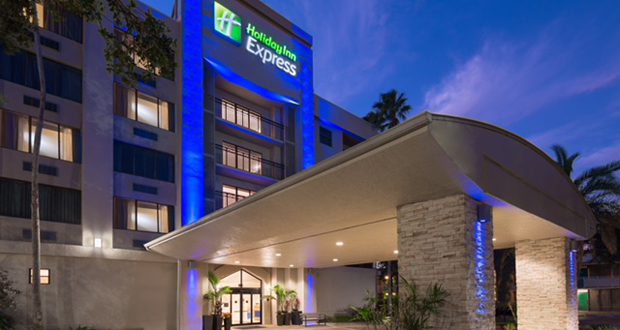 Waramaug Renovates Holiday Inn Express & Suites Plantation