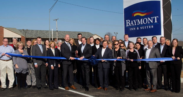 Baymont Inn & Suites - Oak Tree Inn
