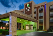 Holiday Inn Express & Suites in Bentonville