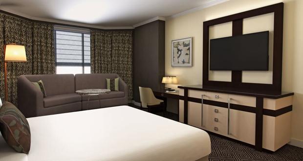Ritz-Carlton Atlanta guestroom