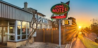 Oval Motel Bendigo - Photo by Chris Jack