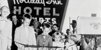Holiday Inn - History of franchising