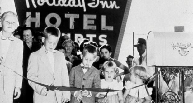 Holiday Inn - History of franchising
