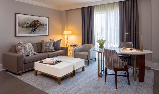 Hotel Crescent Court Suite Parlor