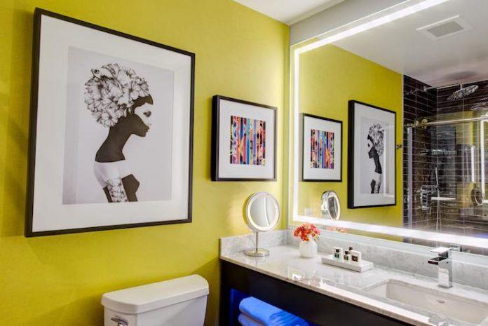 Motif Seattle Guestroom Bathroom
