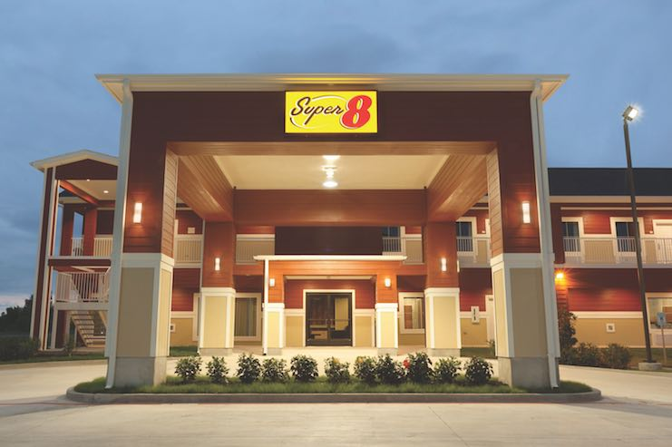 Super 8 by Wyndham Carizzo Springs, Texas