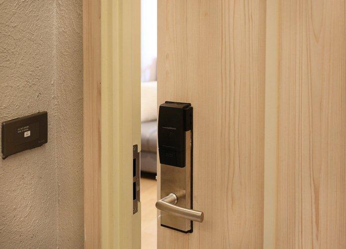 Hotel guestroom door lock, security — employee safety, secure technologies