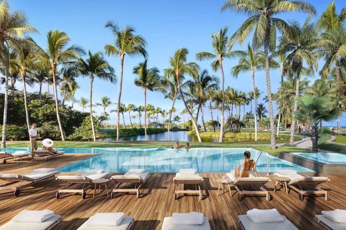 The adult pool at Mauna Lani (Image by Steelblue)