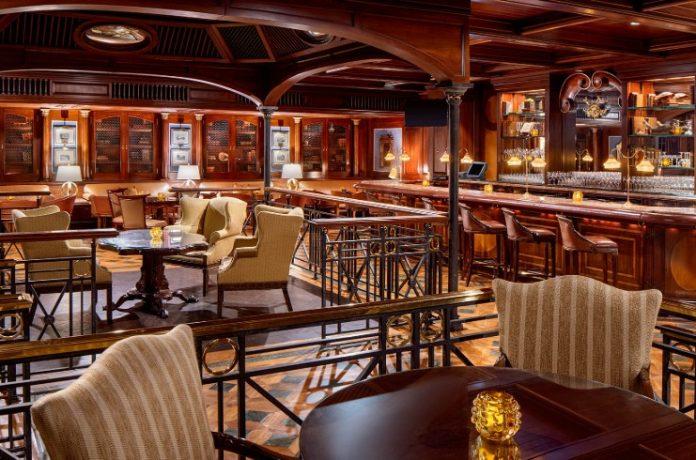 Crescent Club Bar