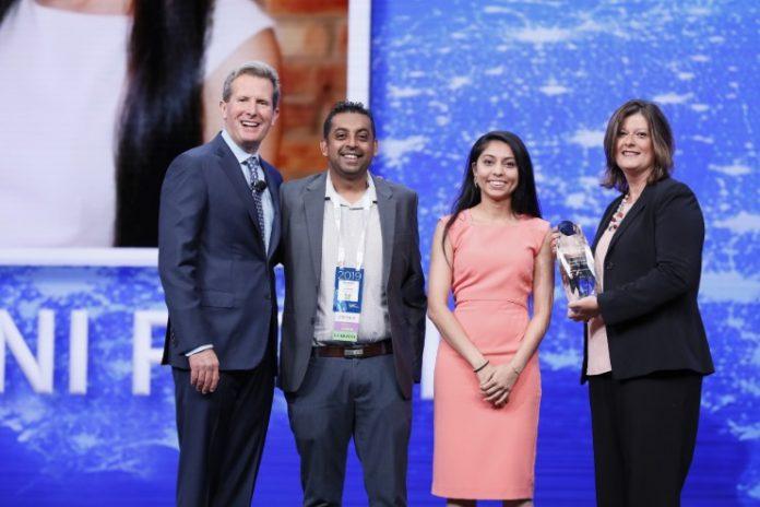 Wyndham_Humanitarian_of_the_Year_Award (1)