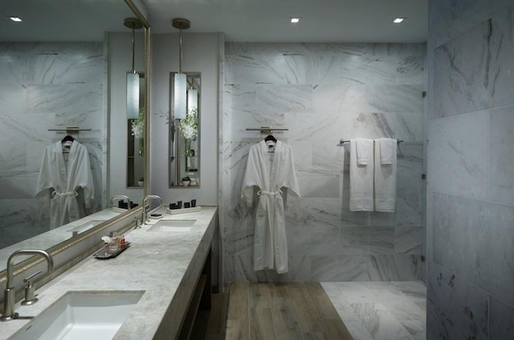 Seminole Hard Rock Guitar Hotel Guest Bathroom
