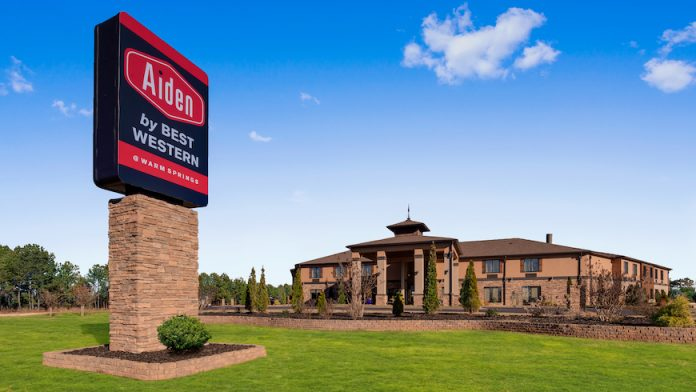 Aiden by Best Western Warm Springs Hotel and Event Center