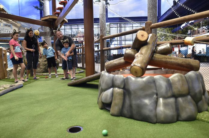 """The """"Howl in One"""" mini-golf course at the Great Wolf Lodge in Scottsdale, Arizona (Photo courtesy of Great Wolf Lodge)"""