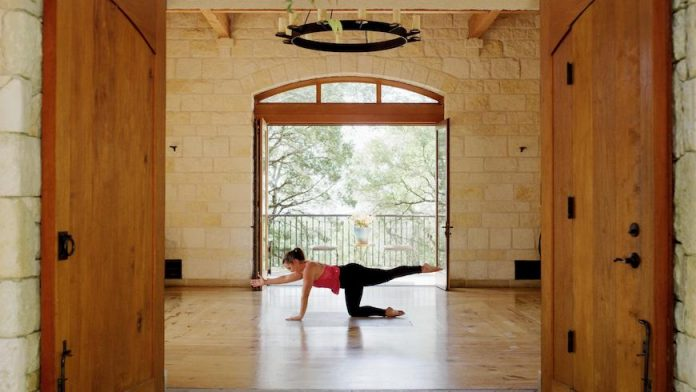 Miraval Austin fitness specialist Robyn Riojas teaches a strength and mobility routine, which can be replicated in any space.