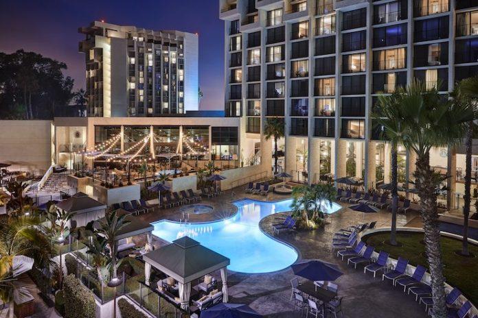 Newport Beach Marriott Hotel & Spa (Image Credit: Werner Segarra Photography)