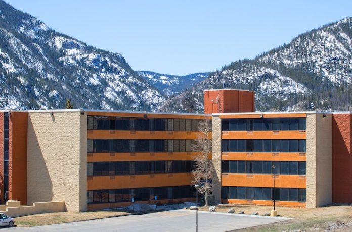 Summit Suites